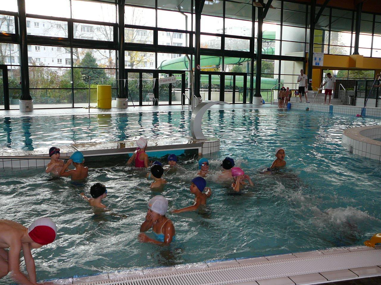 La piscine ecole l mentaire de buxerolles bourg for Piscine desjoyaux poitiers